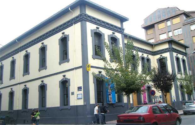 Office du tourisme et bibliothèque