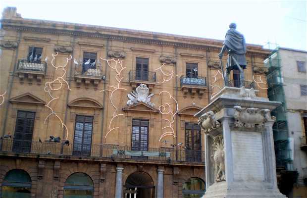 Monumento a Carlos V