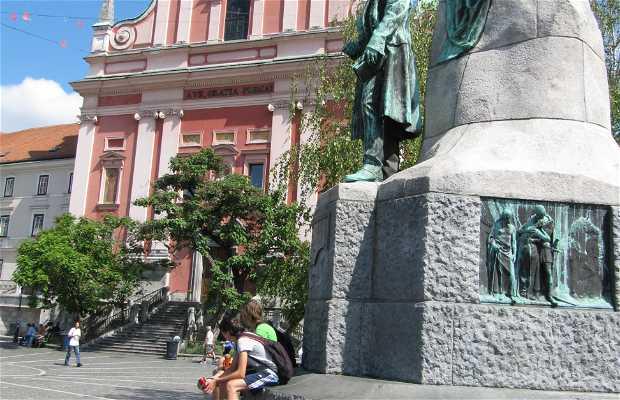 Estátua do poeta Prešeren