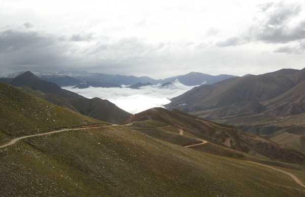 Pasaje del Paso del Cóndor desde Humahuaca hasta Iruya