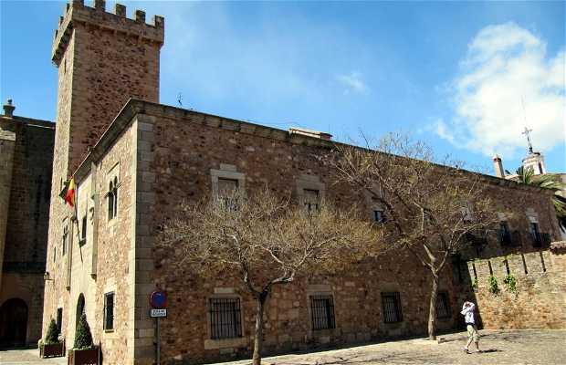 Diego de Ovando Family Palace