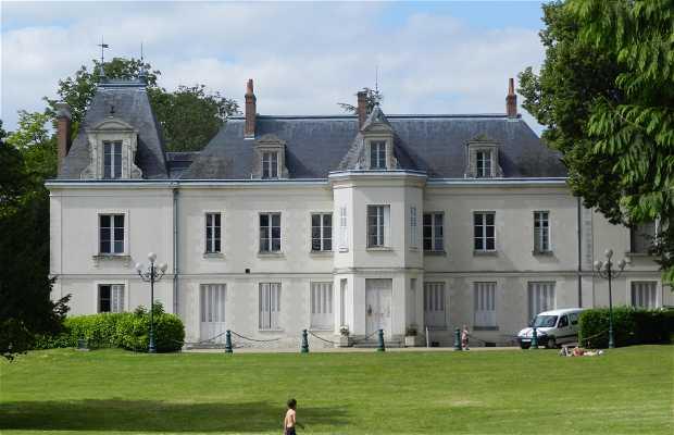 Castillo de los Bretonnières