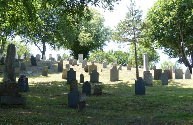 Burial Hill Cemetery