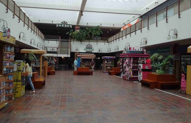 Centro Comercial Galer A Prados Del Este En Caracas 1