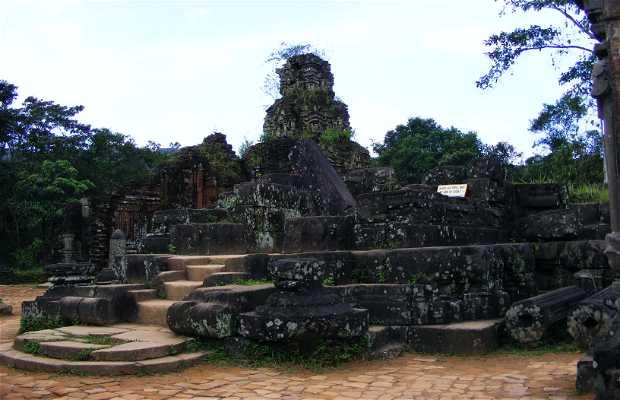 Ruinas De Los Templos De My Son