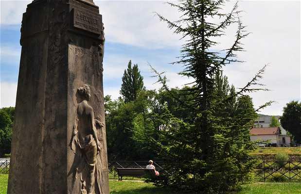 Busto de Just Becquet