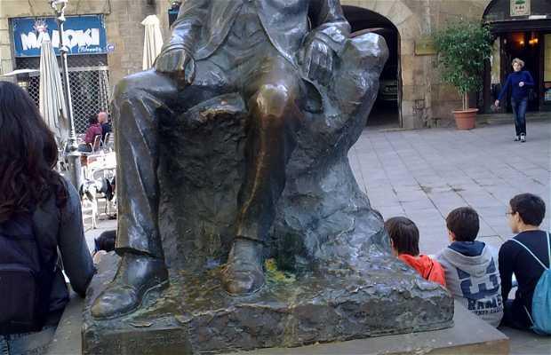Estatua Angel Guimerà