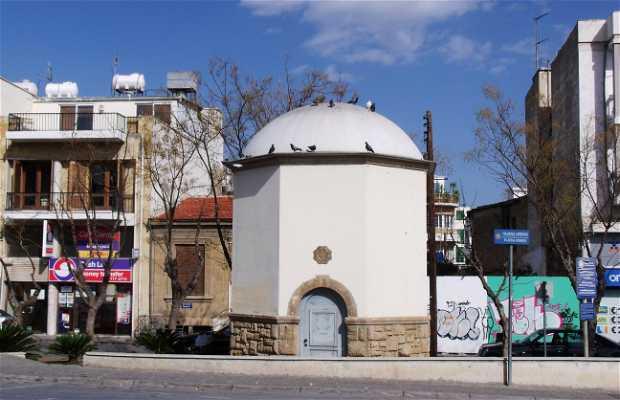 "Plaza ""Plateia Ipeirou"" (Torre de agua)"