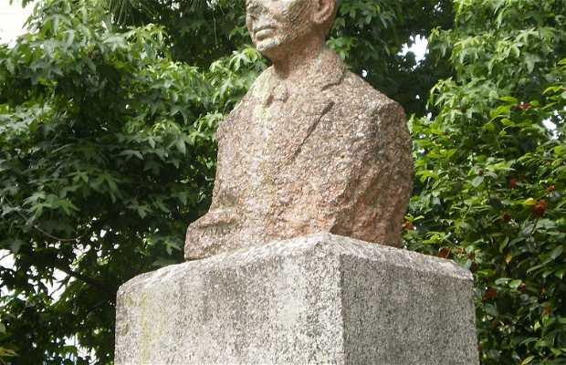 Monumento a Alejandro Cerecedo