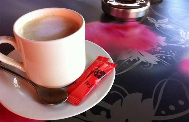 Le Cafe Creme