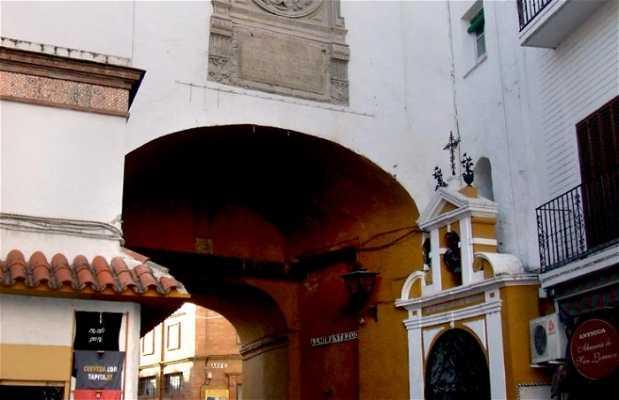 Arch of El Postigo del Aceite