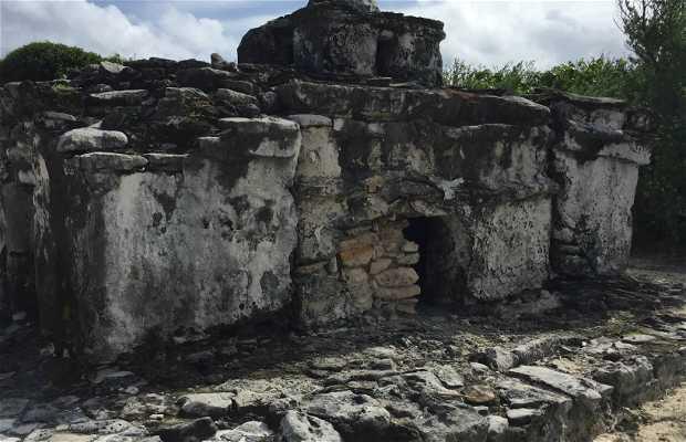 Zona Arqueológica El Caracol
