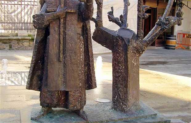 Escultura a la Virgen de la Encina