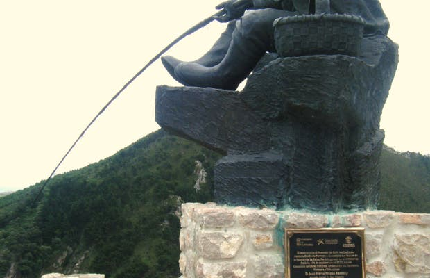 Escultura al Pescador de Caña