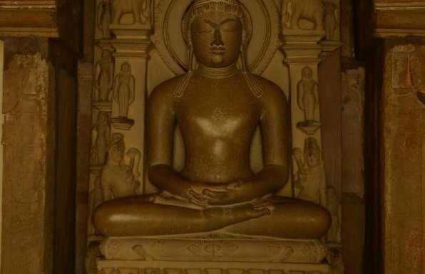 Tempio Parshwanath