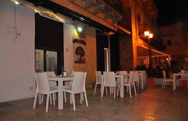 Nicola's Bar