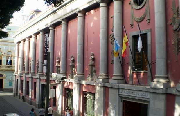 Museo de Bellas Artes y Biblioteca