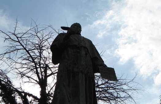 Estatua Fray Fernando