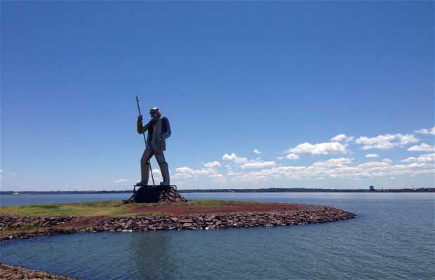 Andres Guazurari Monument
