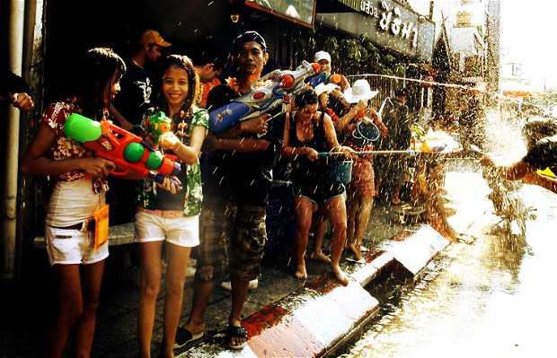 La Fiesta de Songkran