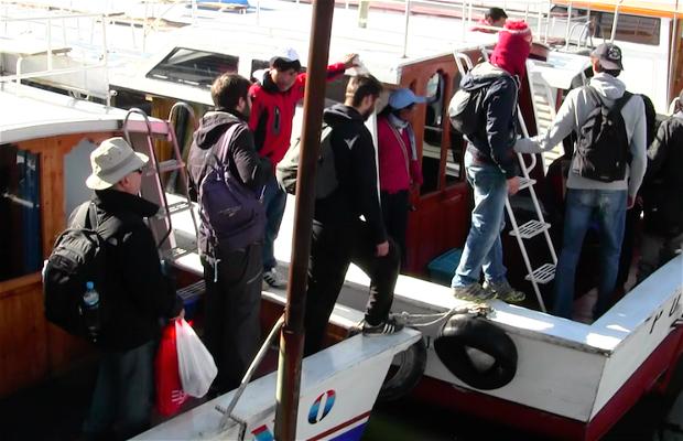 Barco a los Uros