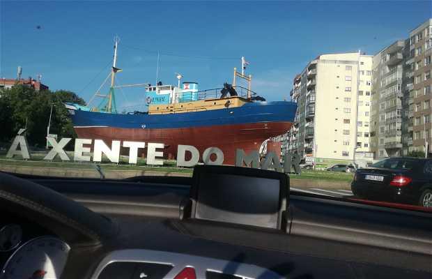 Barco en la Glorieta Castelao