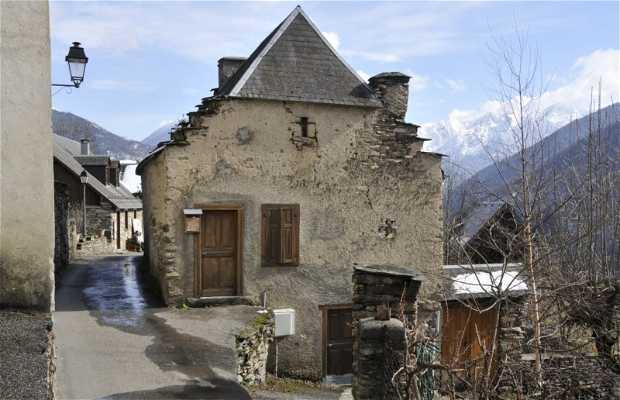Le village Cazaril-Laspènes