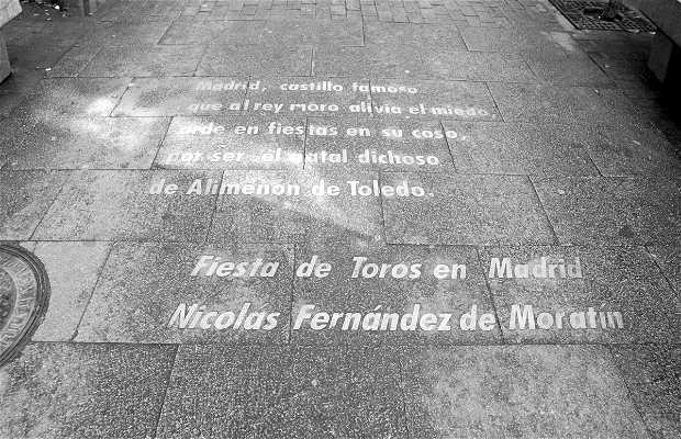 Letras en el suelo, Calle Huertas