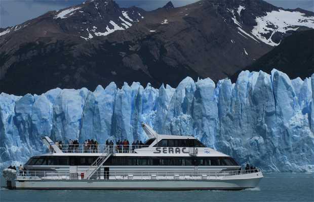 Paseo de barco por los glaciares