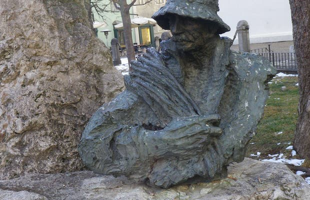 Busto di Angelo Dibona