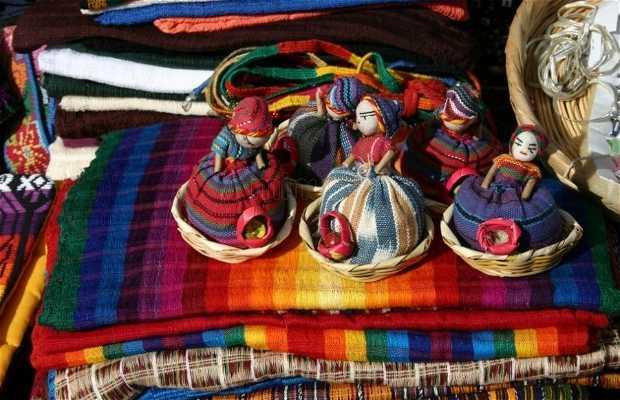 Mercado de artesanías de las Capuchinas