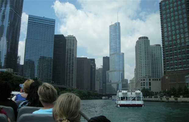 Paseo en barco por el Río de Chicago