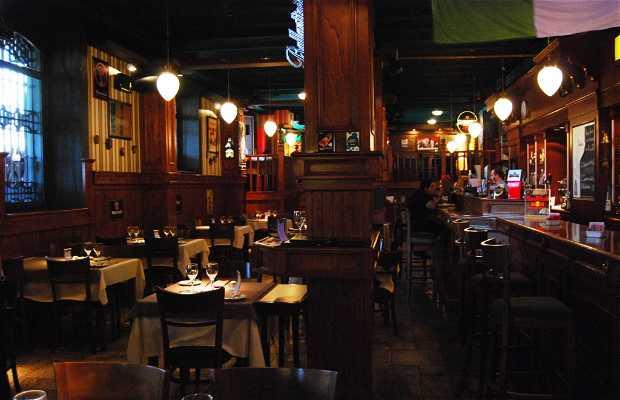 Pub & Restaurante Down Town Matías, barrio de La Recoleta