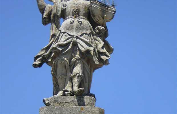 Viana Statue