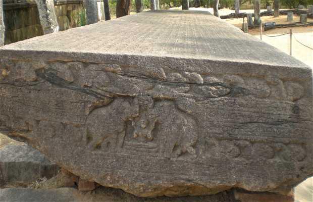 Libro de piedra