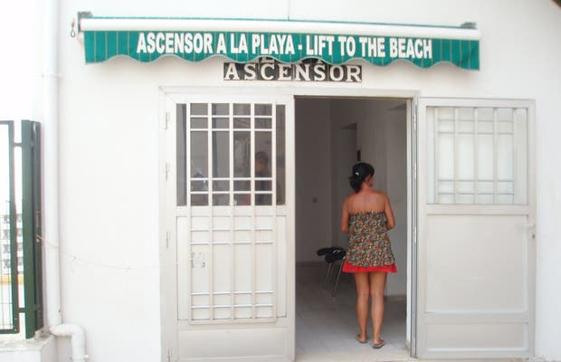 Ascensor a la playa