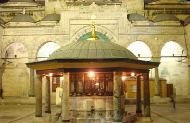 Mezquita Eminönü