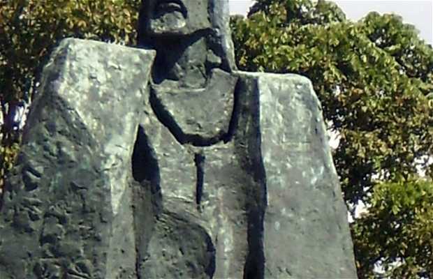 Monumento a Gonzalo Fernández de Oviedo