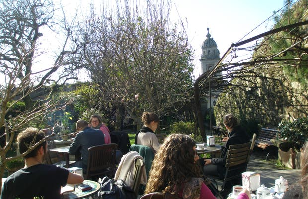 Jardín del Hotel Costa Vella