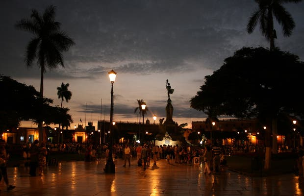 Plaza de Armas a Trujillo