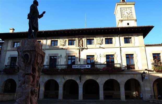 Monumento al Conde don Tello (Plaza del ayuntamiento Gernika)