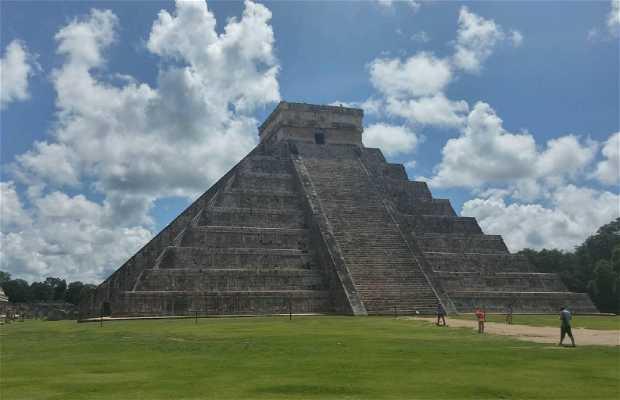 Temple of Kukulcan (El Castillo)