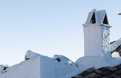 Arenas: Pasado Mudéjar Tras Los Almendros