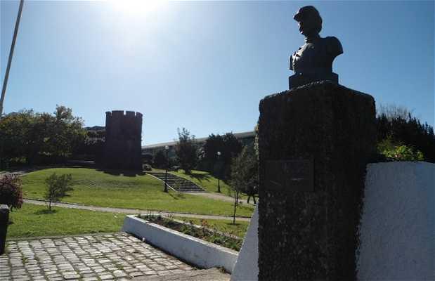 Estatua Ignacio Carrera Pinto