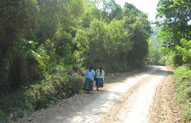 Lanquín village