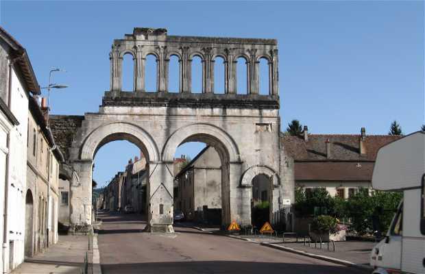 Puerta de Arroux