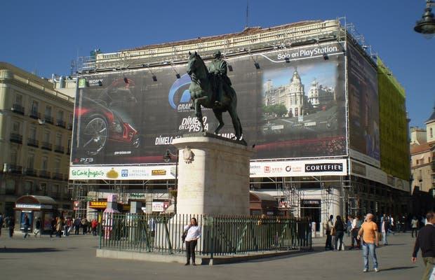 Equestrian statue of Charles III