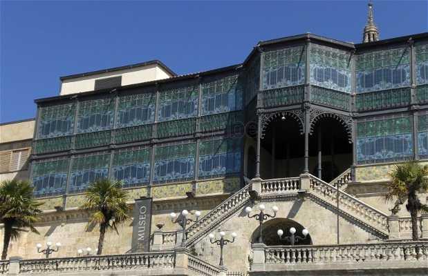 Museo art nouveau y art d co casa lis en salamanca 11 - La casa lis de salamanca ...
