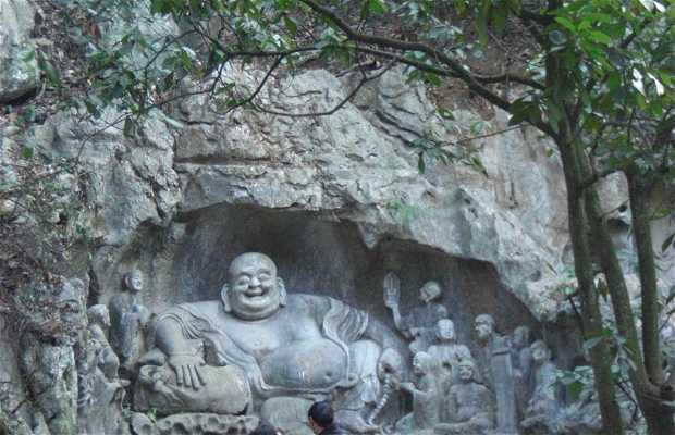 Cuevas en el templo de Lingyin