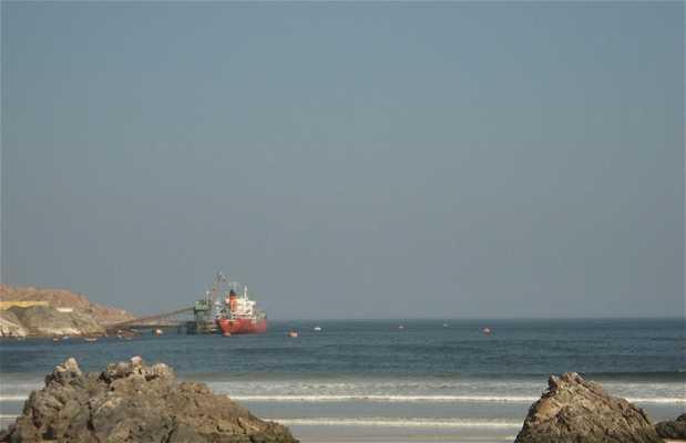 Vistas sobre la playa desde el muelle